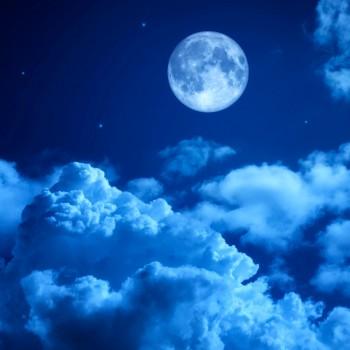 Облака при полной Луне